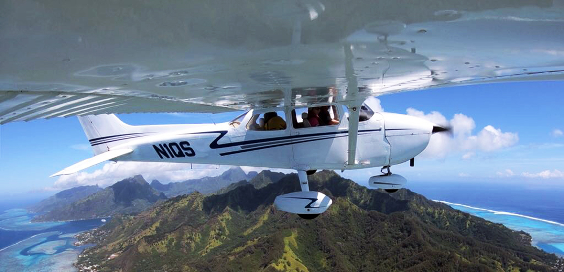 https://tahititourisme.it/wp-content/uploads/2017/08/C3P-Cessna-above-Moorea.jpg