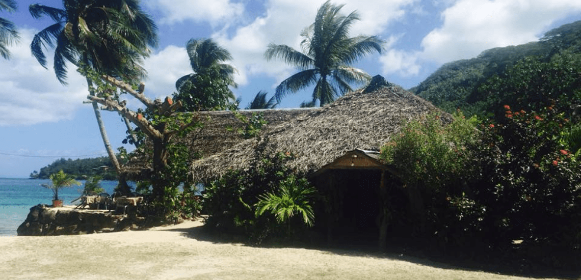 https://tahititourisme.it/wp-content/uploads/2017/08/Cheztaraphotodecouverture_1140x550px-2.png