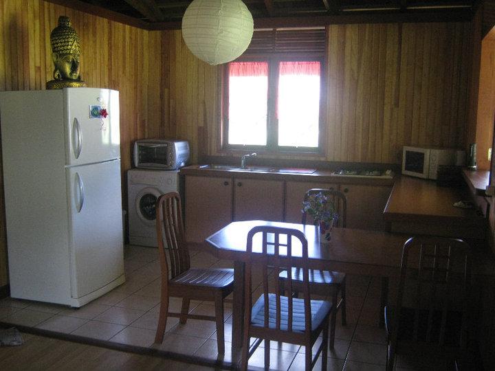 https://tahititourisme.it/wp-content/uploads/2017/08/Fare-Tiare-painapo-cuisine.jpg