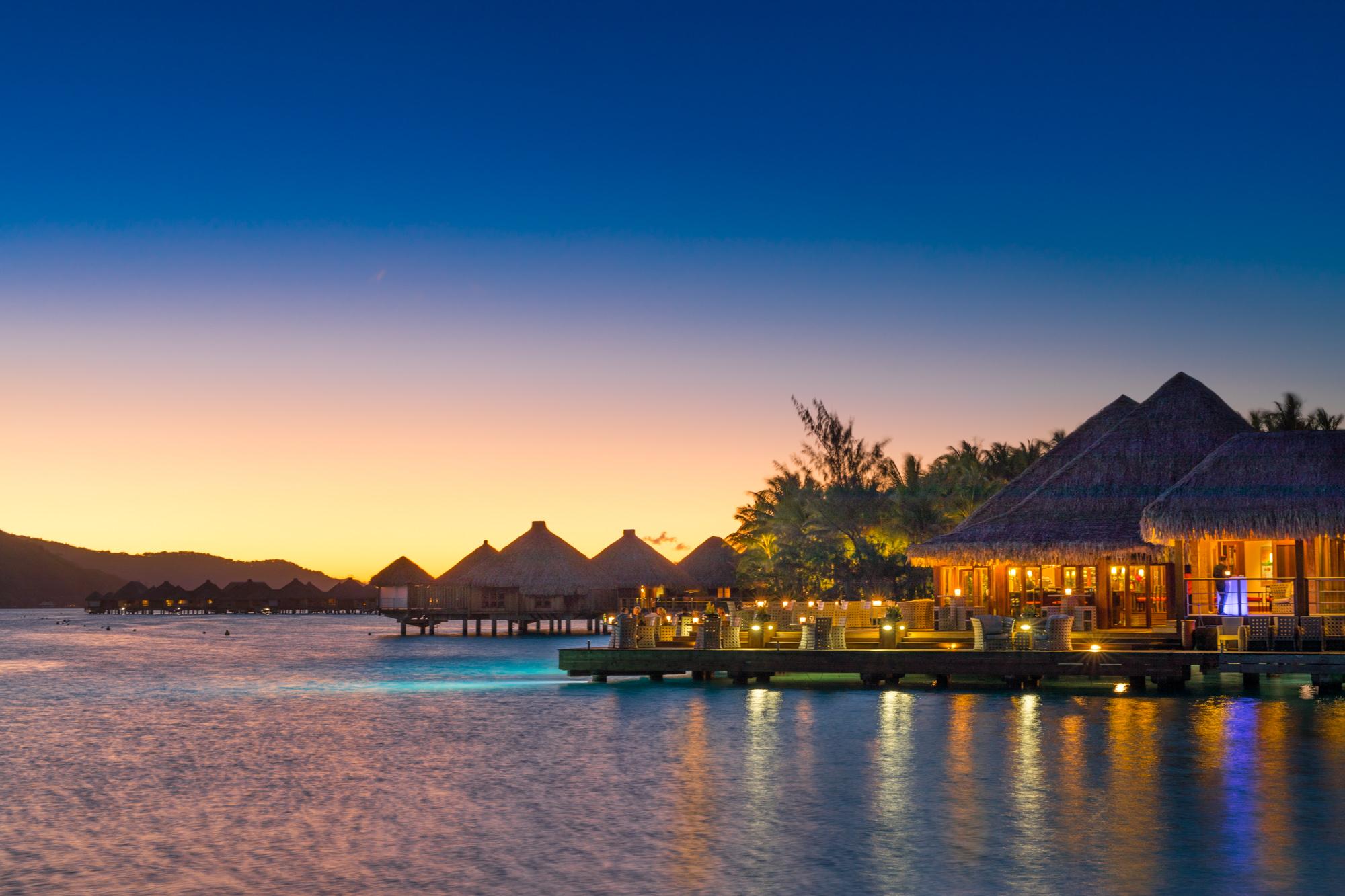 https://tahititourisme.it/wp-content/uploads/2017/08/Lagoon-Restaurant.jpg