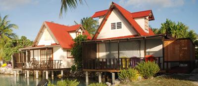 https://tahititourisme.it/wp-content/uploads/2017/08/bungalow-lagon.jpg