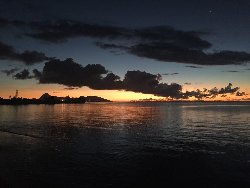 https://tahititourisme.it/wp-content/uploads/2017/09/Mer-coucher-de-soleil.jpg