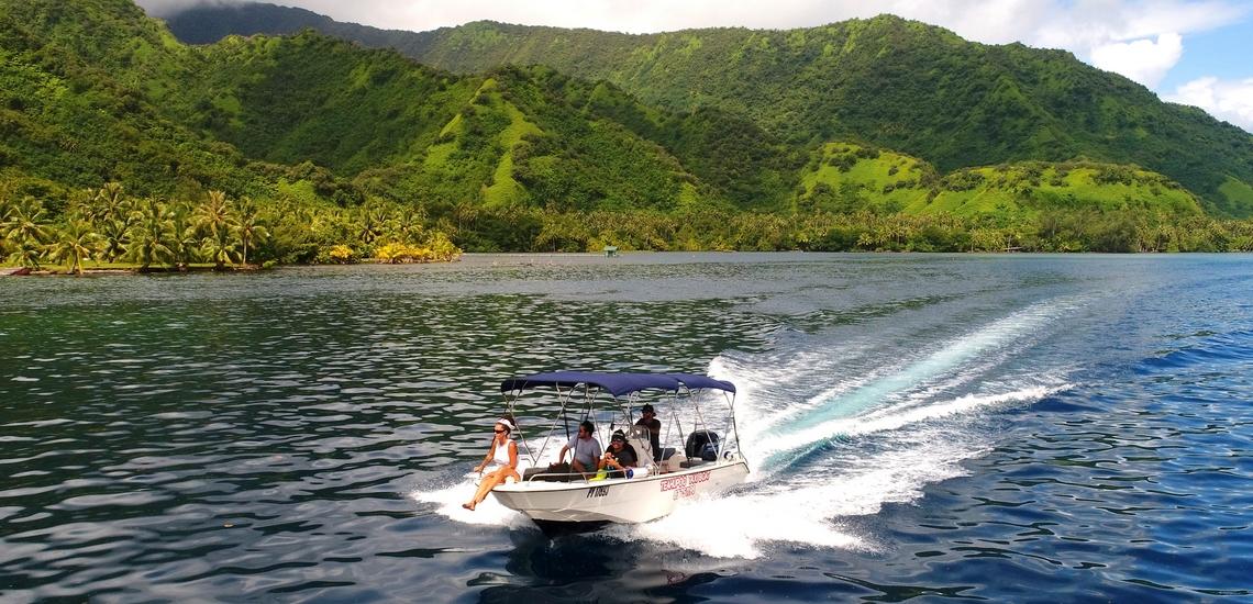 https://tahititourisme.it/wp-content/uploads/2018/02/ACTIVITES-NAUTIQUES-Teahupoo-Taxi-Boat-1.jpg