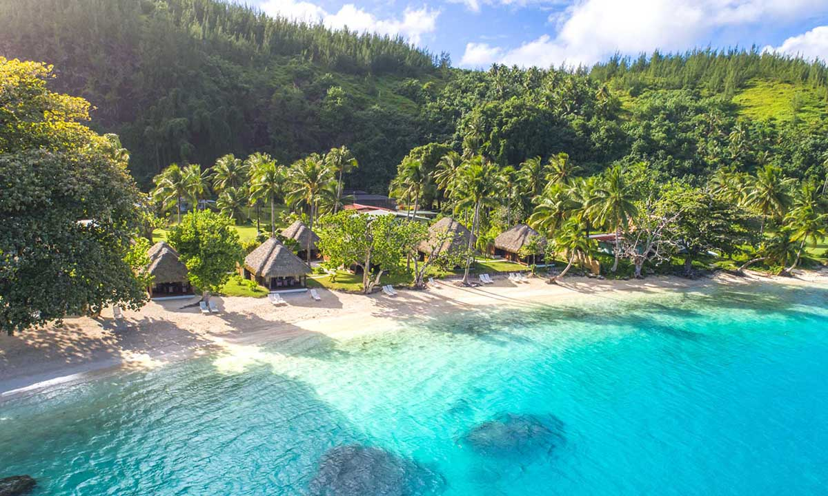 https://tahititourisme.it/wp-content/uploads/2018/03/Hotel-Le-Mahana-Huahine-1200x720-1.jpg