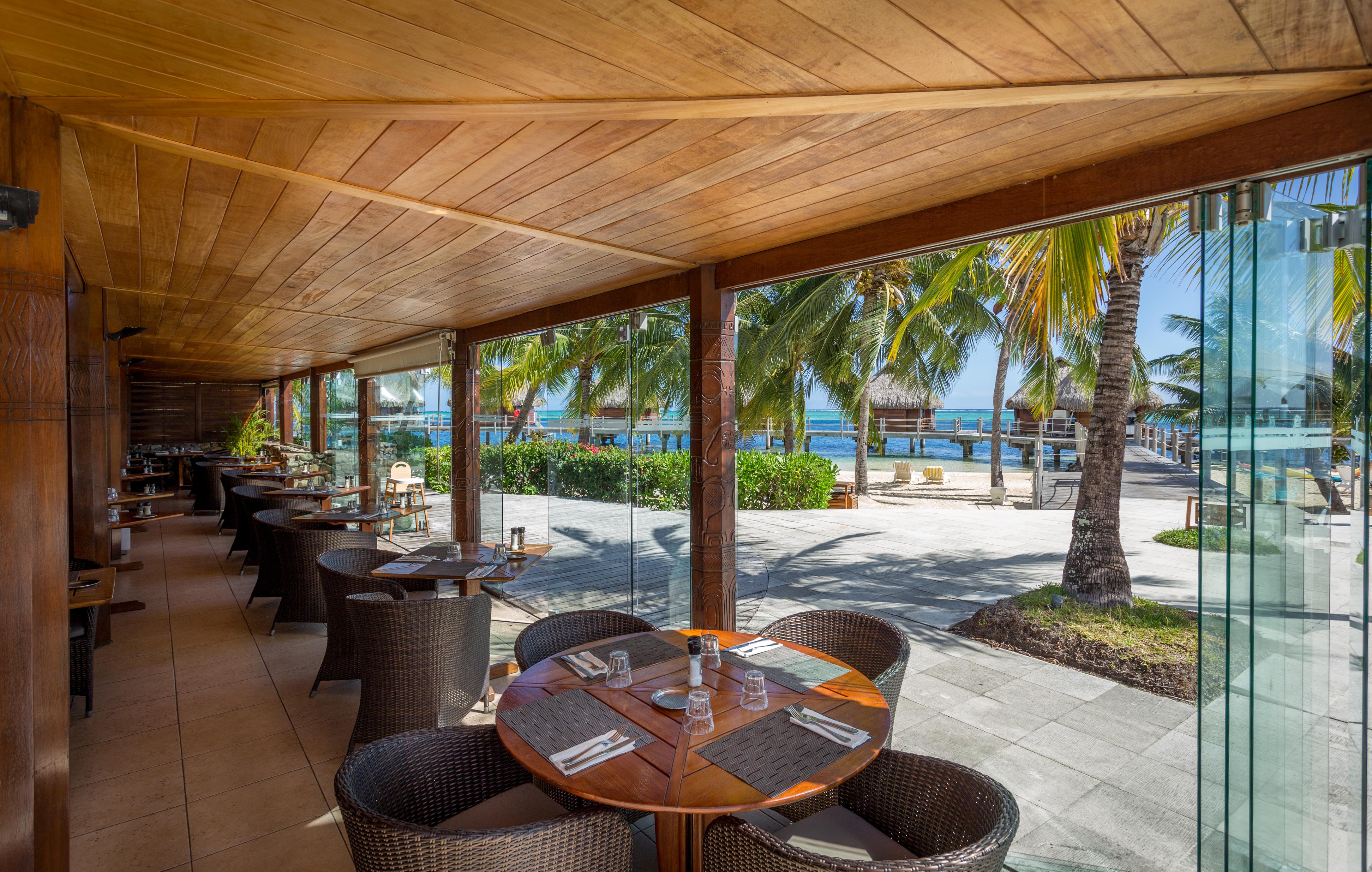 https://tahititourisme.it/wp-content/uploads/2018/03/RESTAURATION-Restaurant-Mahanai-1-Charles_Veronese.jpg
