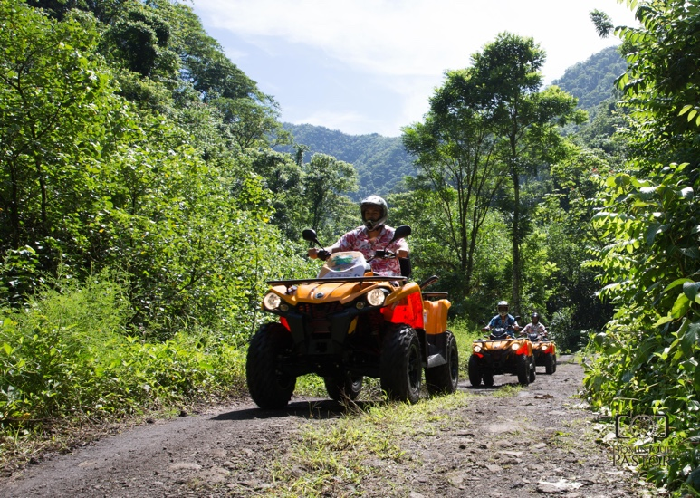 https://tahititourisme.it/wp-content/uploads/2018/05/ACTIVITES-TERRESTRE-Vaihiria-Quad-Tahiti-2.jpg